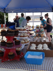 2014 cupcake contest - photo by Deb Fahy