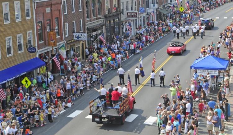 Parade w Harlow by Joe Phelan